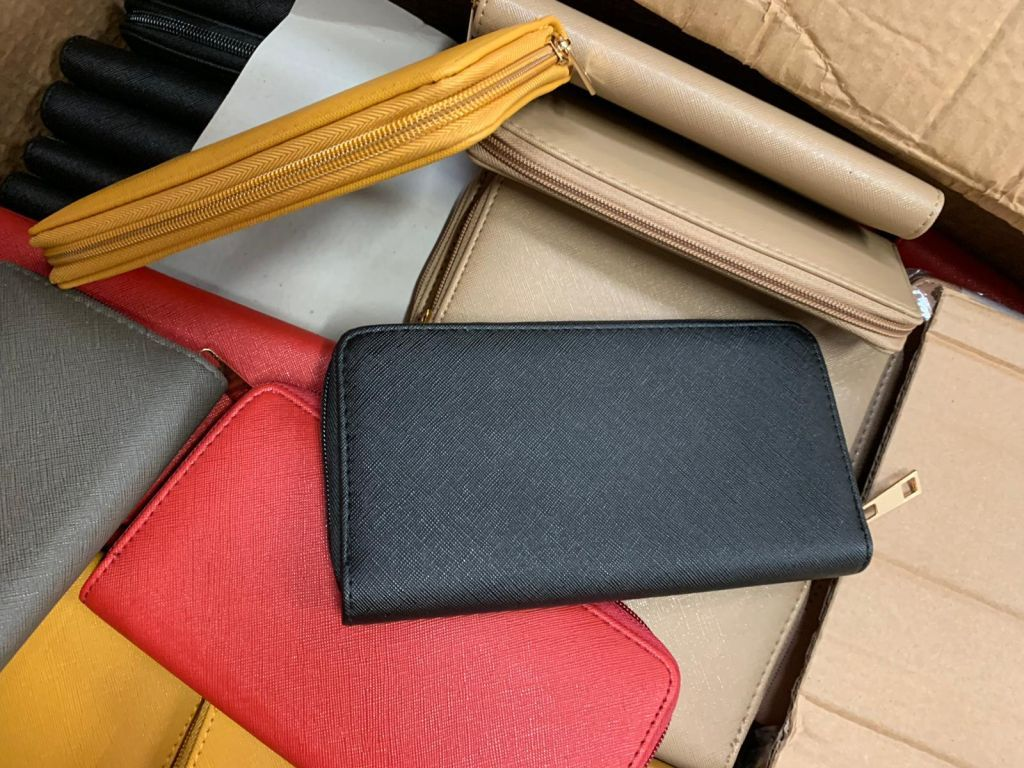 33936 - Ladies wallets Europe